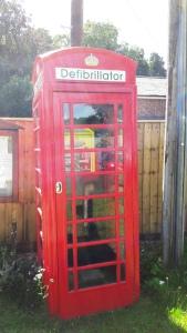 shefford-woodlands-defibrillator